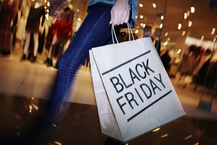 Black Friday 2016, al via lo shopping di Natale